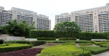 LUXURIOUS APARTMENT IN DLF ARALIAS