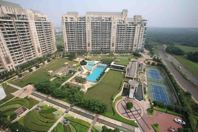 DLF Magnolias 6400 Sq.Ft. 5 Bhk Semi Furnished Apartment Rent Golf Course Road Gurgaon