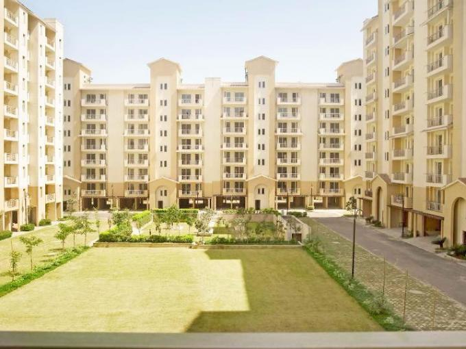 Emaar Palm Hills 1950 Sq.Ft. 4 Furnished Apartment Lease Sector 77 Gurgaon